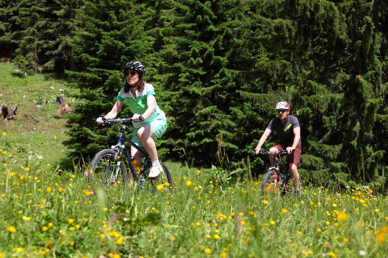 ammergauer-alpen-gmbh_mathias-neubauer-mountainbiken-am-laber-18